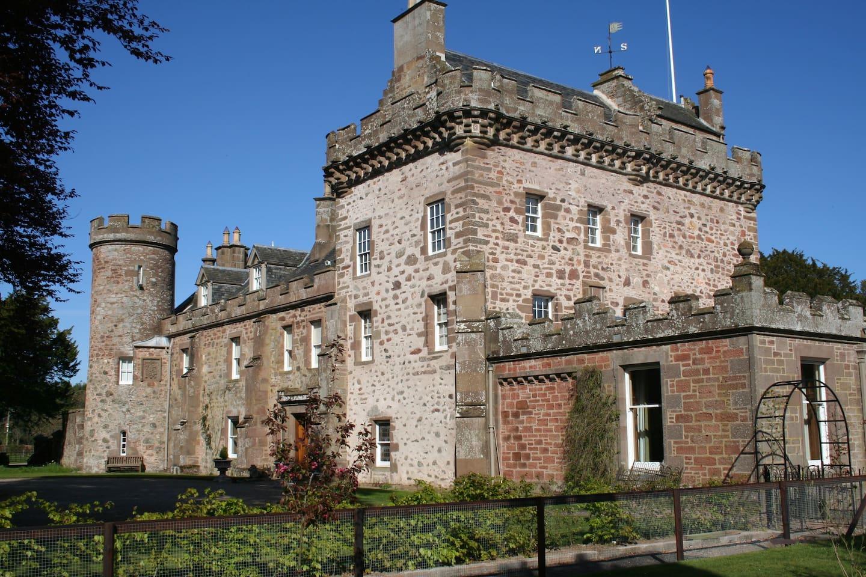 Thornton Castle Rental