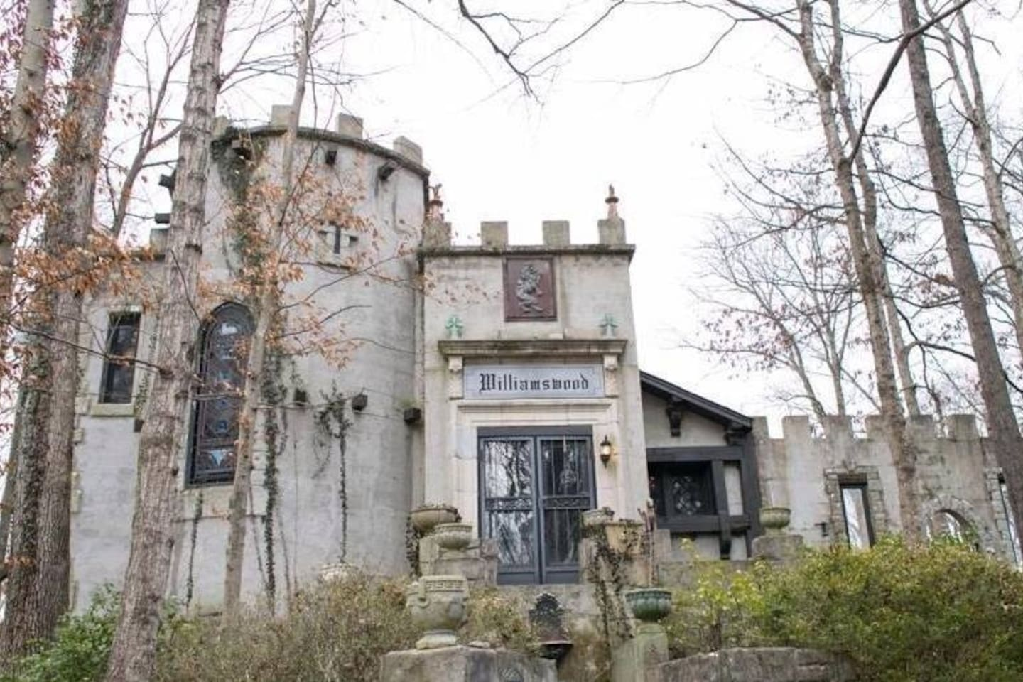 Williamswood Castle for Rent